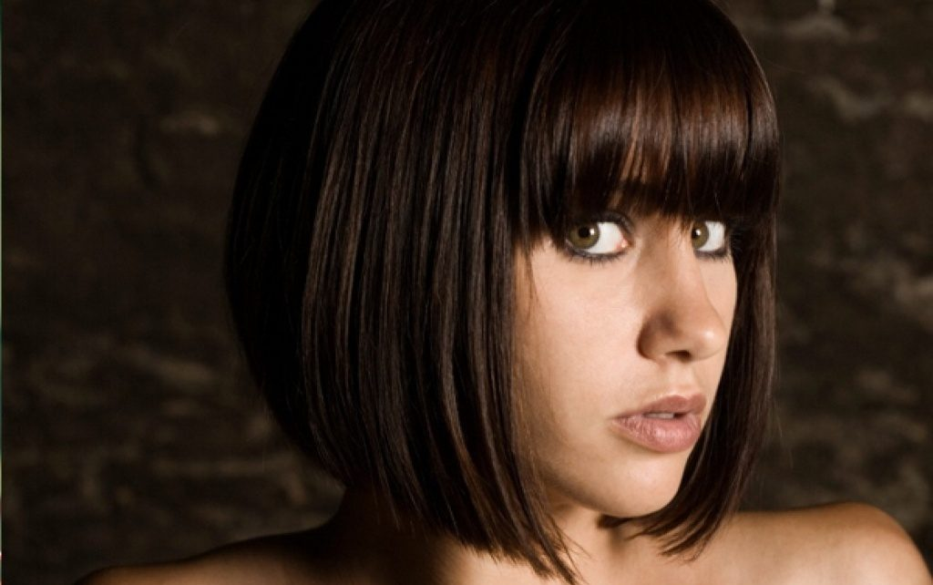 20 Simple Haircuts For Round Faces